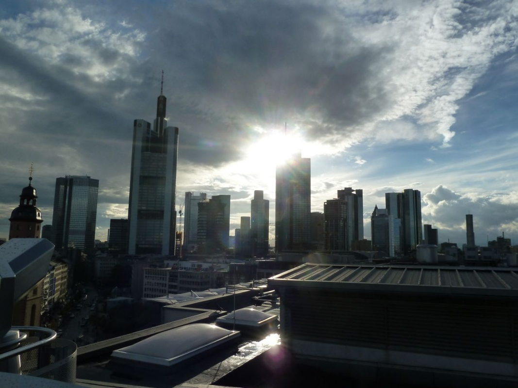 Sommerurlaub 2012 – Tag 15 – Frankfurt: Status Seeker und Krawattenhampel!